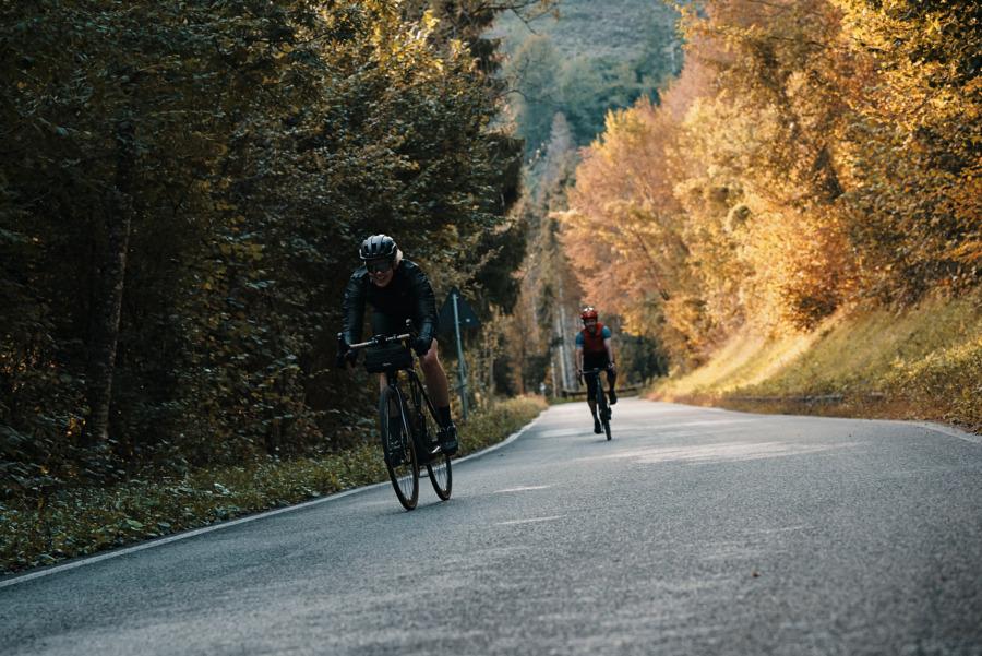 Abfahrt vom Alpenpass