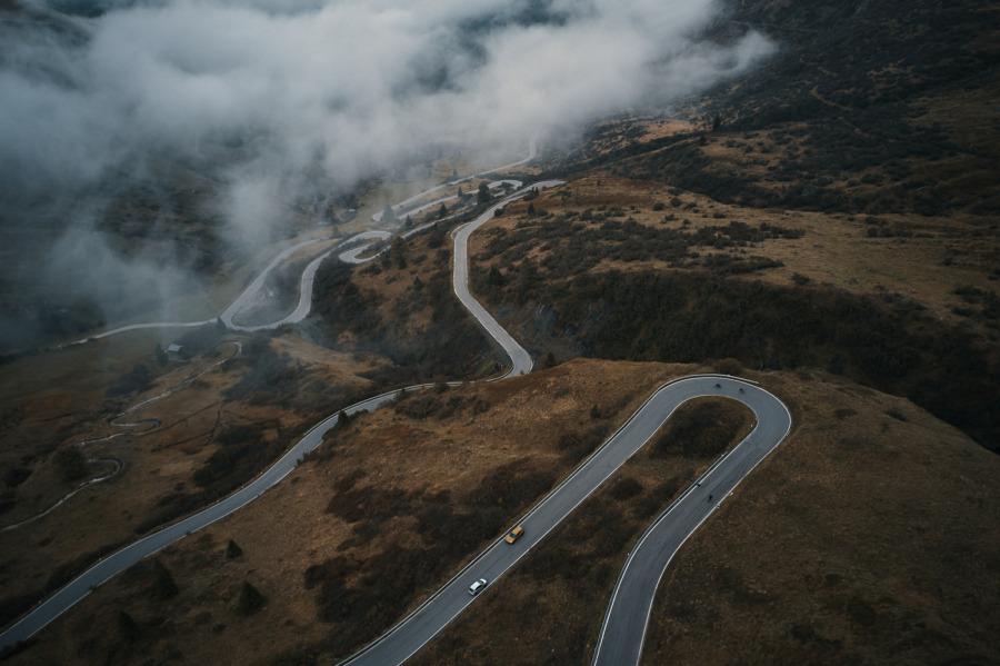 Kurviger Alpenpass, ideal zum Rennrad fahren